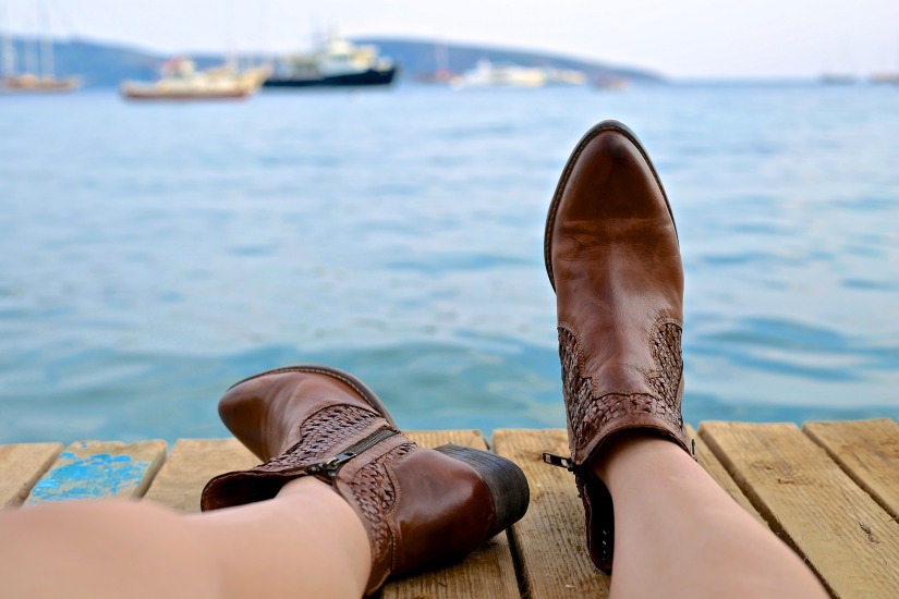 boots-828975_1920